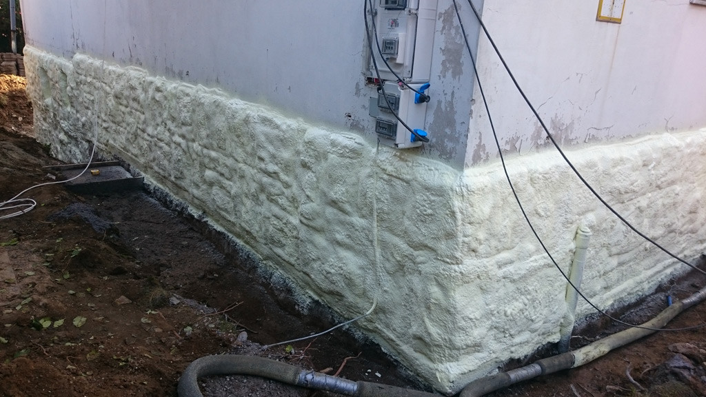 spray_foam_ins_footing