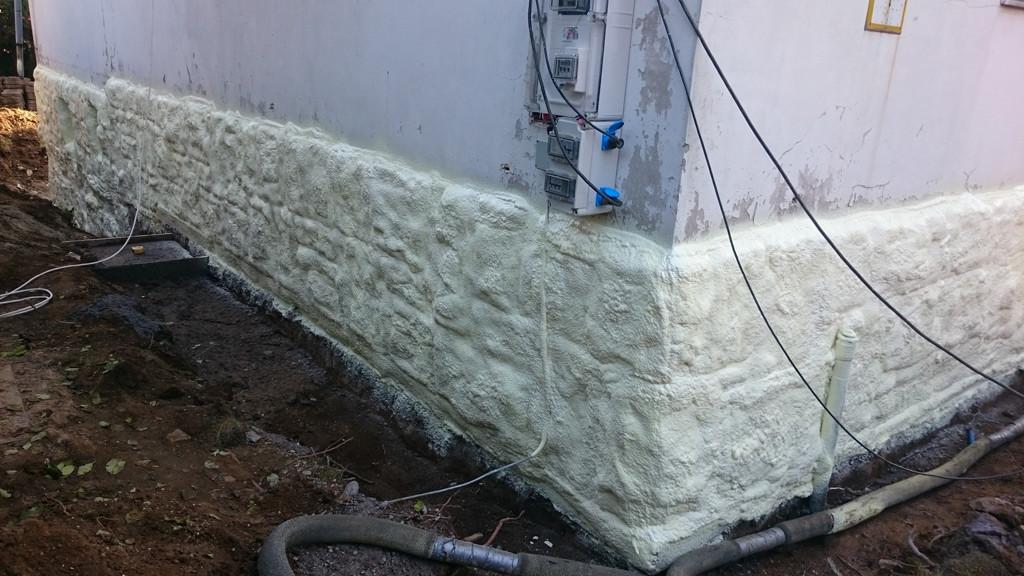spray_foam_ins_footing