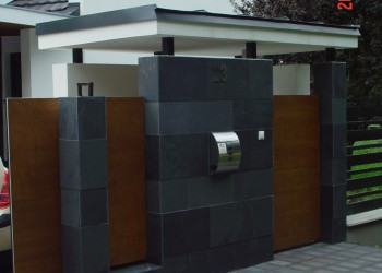 Detached house main entrance